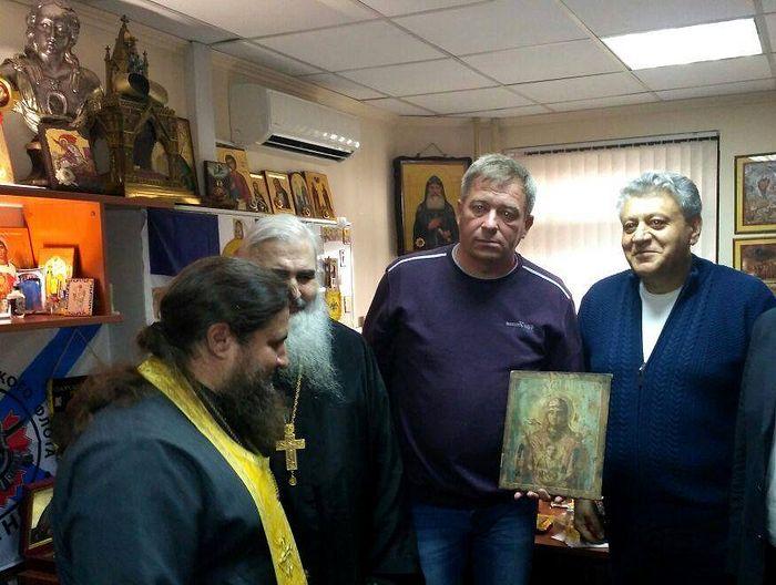 Сергей Кораблев с обретенной иконой