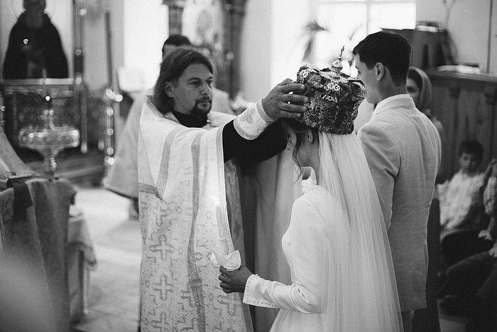 Отец Илья Провада венчает старшую дочь Лидию