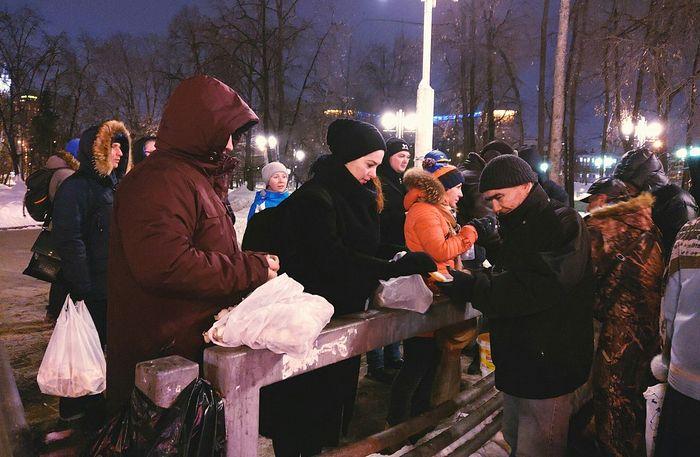 И днем, и вечером — идёт служение на Киевском вокзале