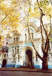 Вход в Ильинское подворье в Одессе