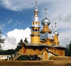 Двухъярусный храм в дер. Береза Тверской обл. Нижний храм освящен во имя Николая Японского