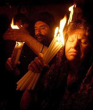 Чудо благодатного огня - Страница 2 Holyfire1