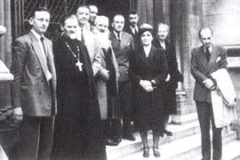 Члены общество икона на одной из выставок. Начало 50-х гг.