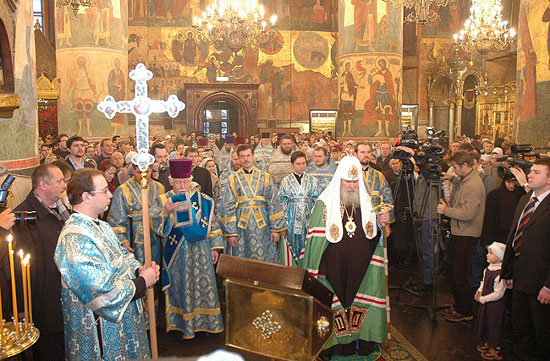 http://www.pravoslavie.ru/sas/image/patr-sluzhb-usp1.jpg